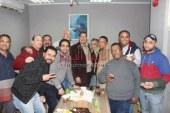 العاملين بالهناجر للفنون يحتفلون بتجديد الثقه ل محمد دسوقى