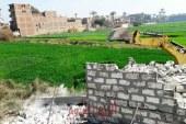 إزالة 23 حالة تعدي علي املاك الدولة في حملة مكبرة بساقلتة بسوهاج