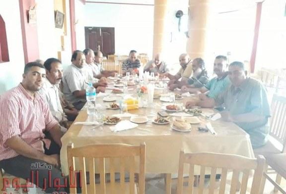 مافيا ابشواي تحتفل بتكليف محافظ الفيوم لرئيس مدينة محال للتأديبية بتهمه التزوير وتسهيل البناء