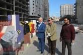 رئيس جامعة الفيوم يشارك الطلاب فى تجميل مداخل المحافظة