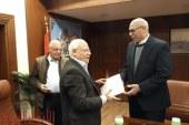 محافظ بورسعيد يكرم الشركة المنفذة لتطوير الديوان العام وضرائب بورسعيد