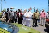 محافظ دمياط تشدد على التزام سائقى سيارات الأجرة والتاكسى ومركبات التوكتوك والركاب بإرتداء الكمامة الوقائية