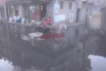 أهالى قرية المندورة يعانون من اختلاط مياه الشرب بمياه الصرف