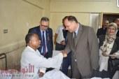 محافظ الفيوم يزور مرضى المستشفى العام ونزلاء دور الأيتام والمسنين وفرق الأمن لتهنئتهم بالعيد
