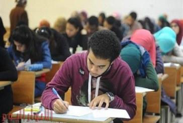 """""""عايزين نتخرج"""".. لماذا غضب طلاب الفرق النهائية من تأجيل الامتحانات؟"""